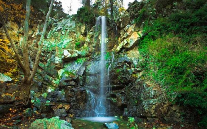 Cataratas de Caledonia en las Montañas de Troodos