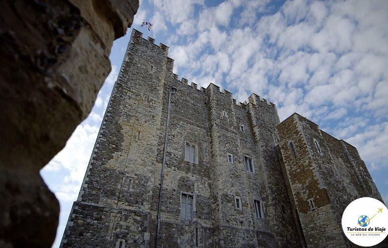 castillo Dover 17
