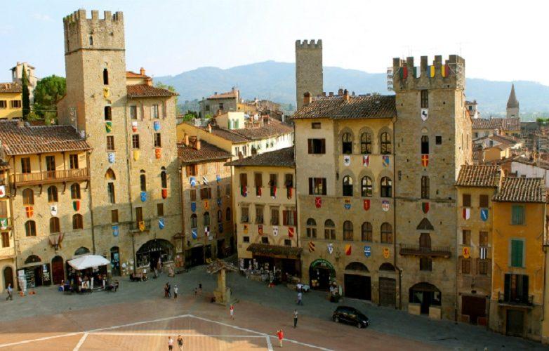 Arezzo Italia Fotos 4